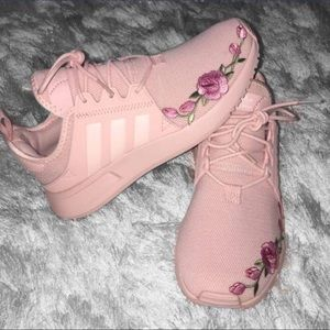 ❗️RARE❗️One-of-a-kind Pink Adidas with Roses